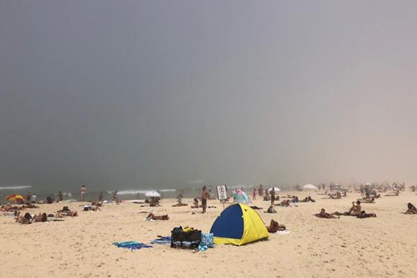 Sea fog descends on Sydney beaches