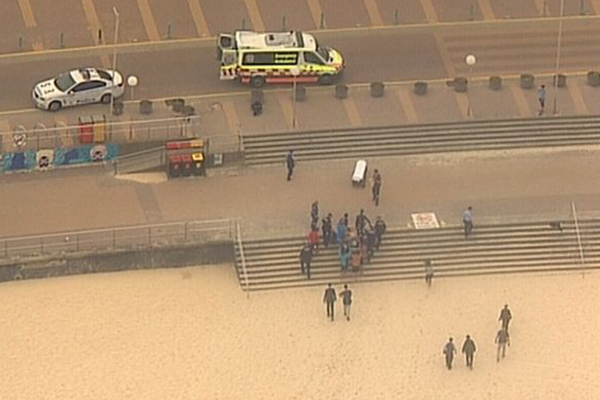 Article image for Man dies after being pulled from the water at Bondi Beach
