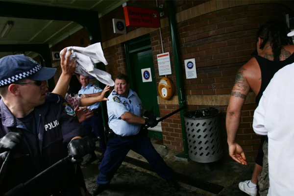Heroic Cronulla riots cop has never received his bravery award