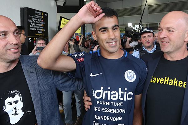 'There was rapture': Refugee footballer Hakeem al-Araibi touches down on Australian soil