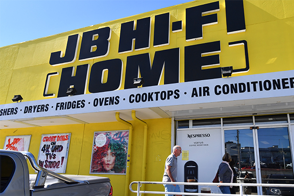 Article image for JB Hi-Fi defies retail downturn with a buoyant half year