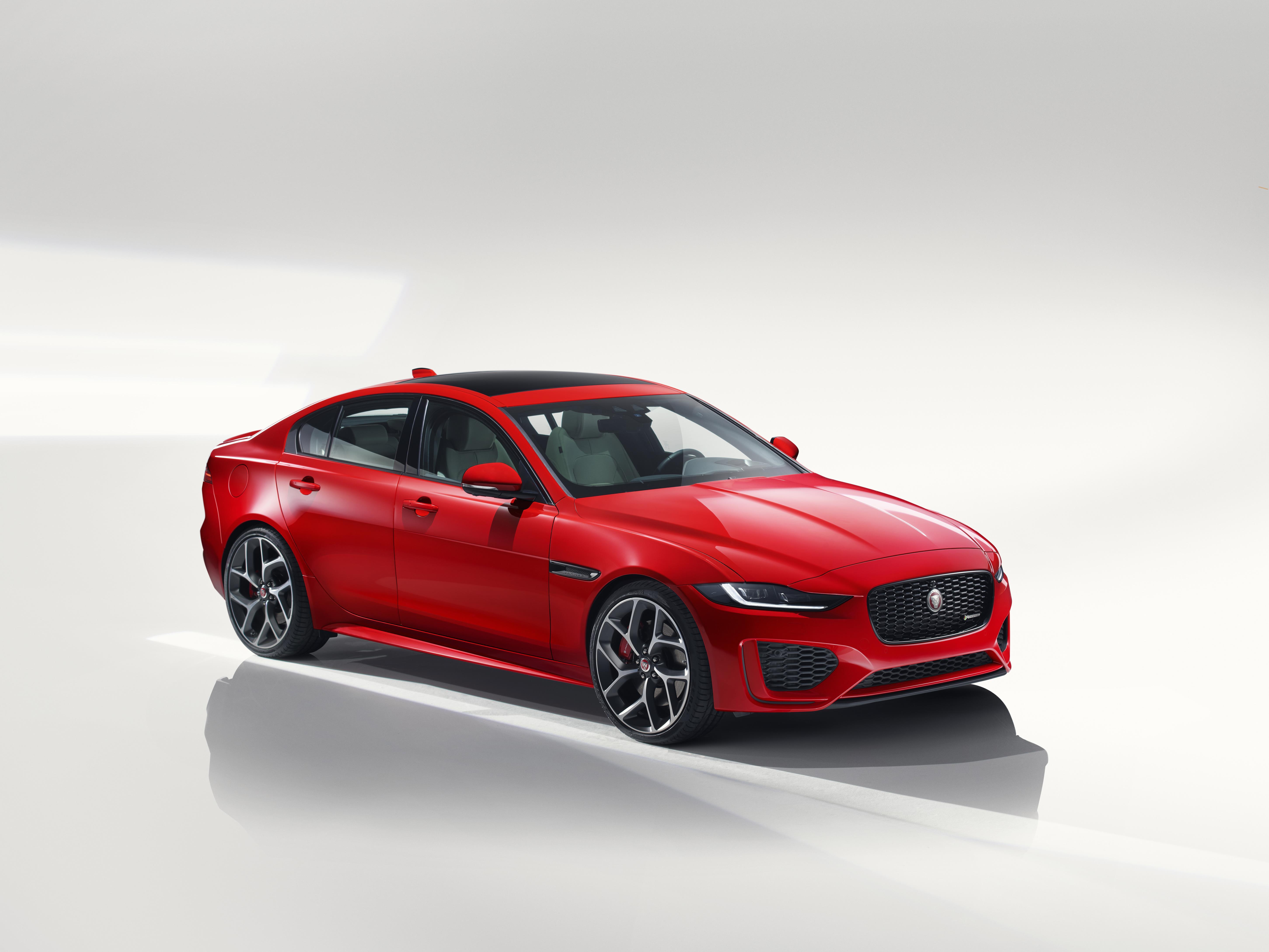 Jaguar XE 2019 - 1
