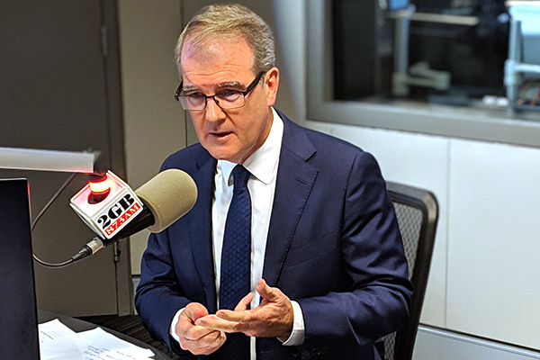 Article image for 'Thanks for your service': Michael Daley threatens to sack Alan Jones if elected