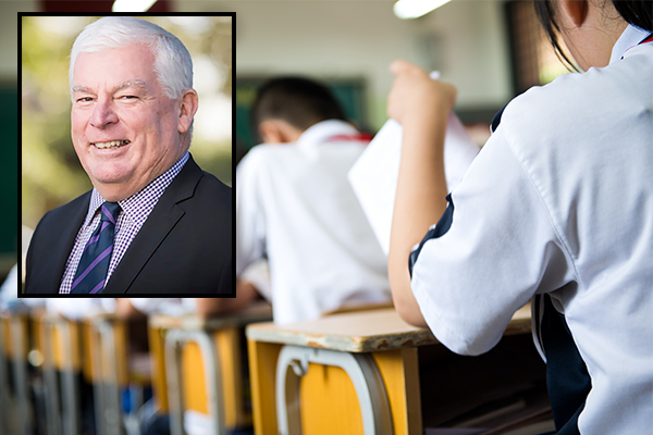 Article image for Principal says HSC students should be allowed to Google answers