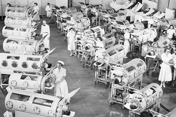 Photo of children with polio shows why anti-vaxxers are crazy