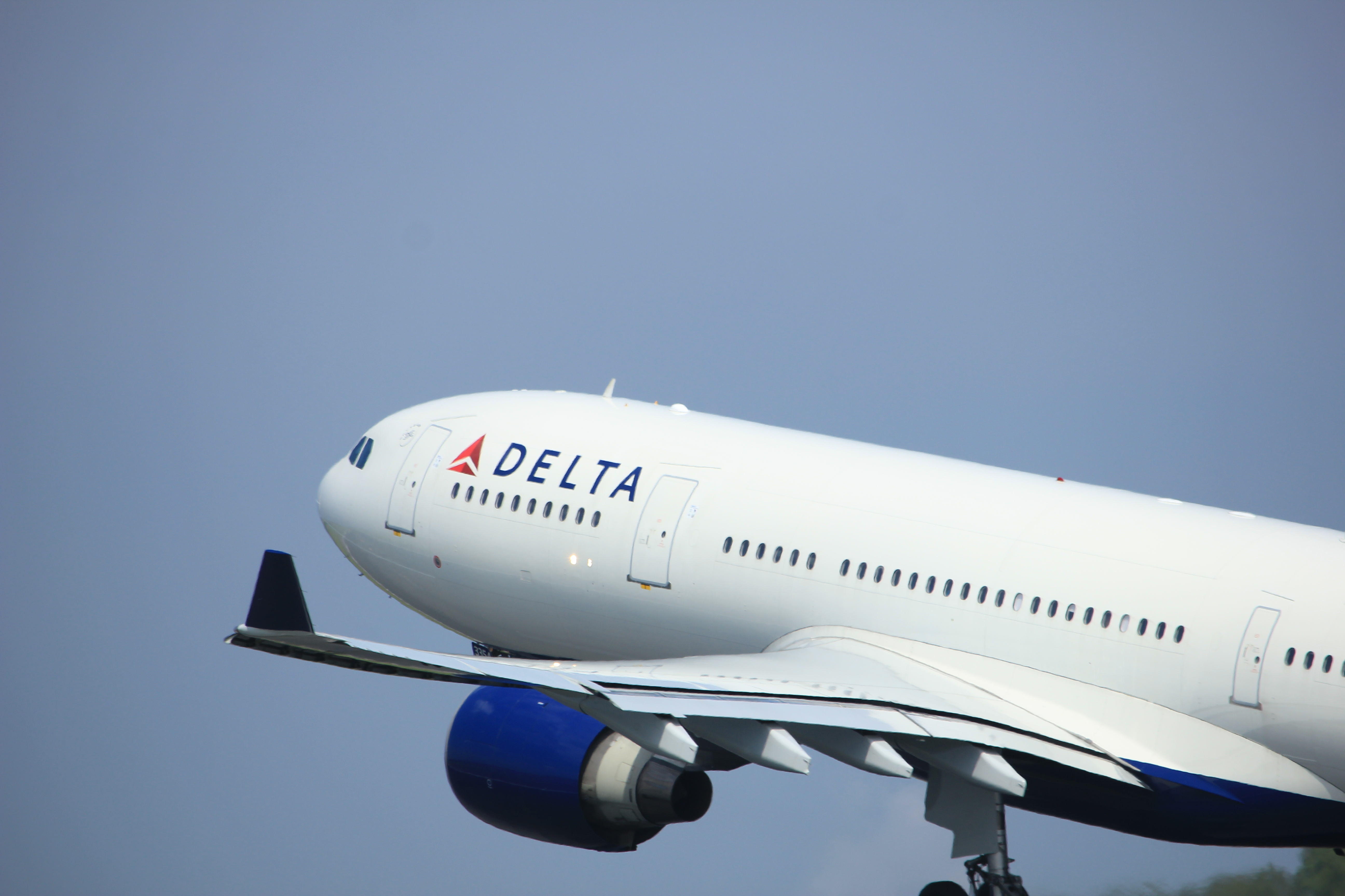 Delta Airlines is eliminating the most annoying thing about flying… Reclining seats