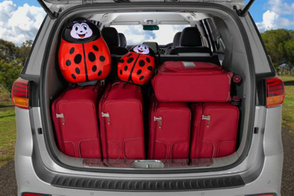 Kia Carnival people-mover – so much polish for a large 8-seat family vehicle