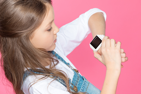 Smart watch: Concerns hackers are spying on your kids