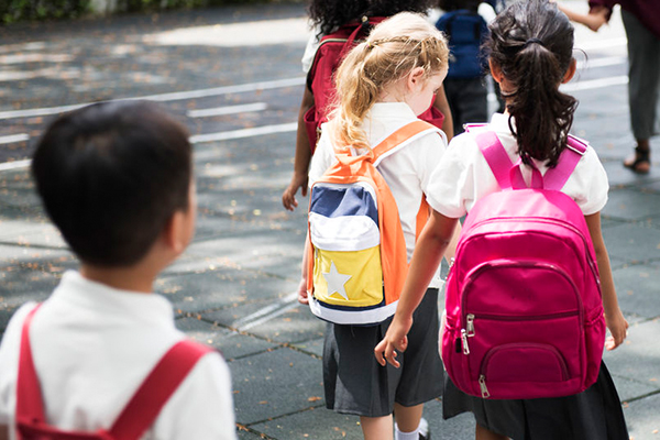 Study finds kids who start school later outperform younger classmates