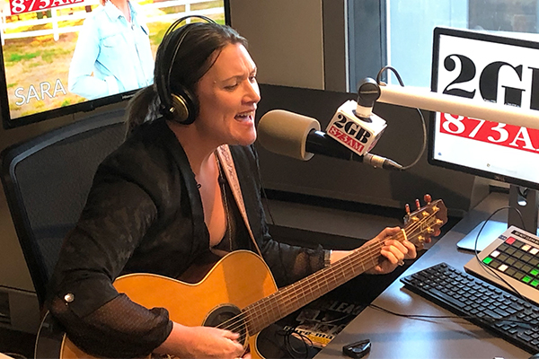 Aussie musician Sara Storer blows Ray away with snippet of her 'Raindance' tour