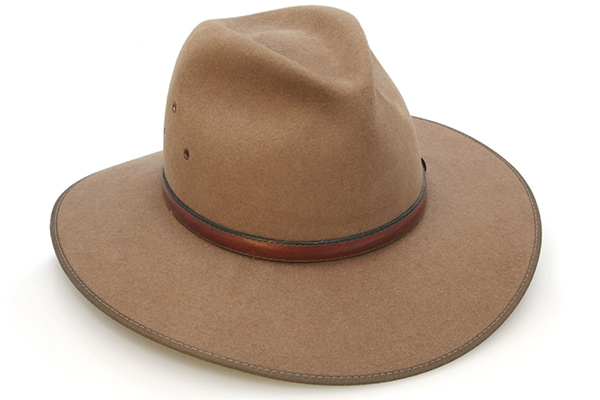 Caller kicked out of pub for wearing an Akubra style hat