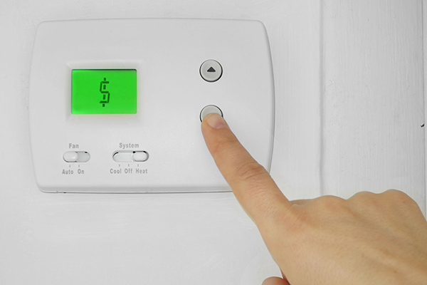'I'm freezing!': The heartbreaking call that personifies Australia's energy crisis