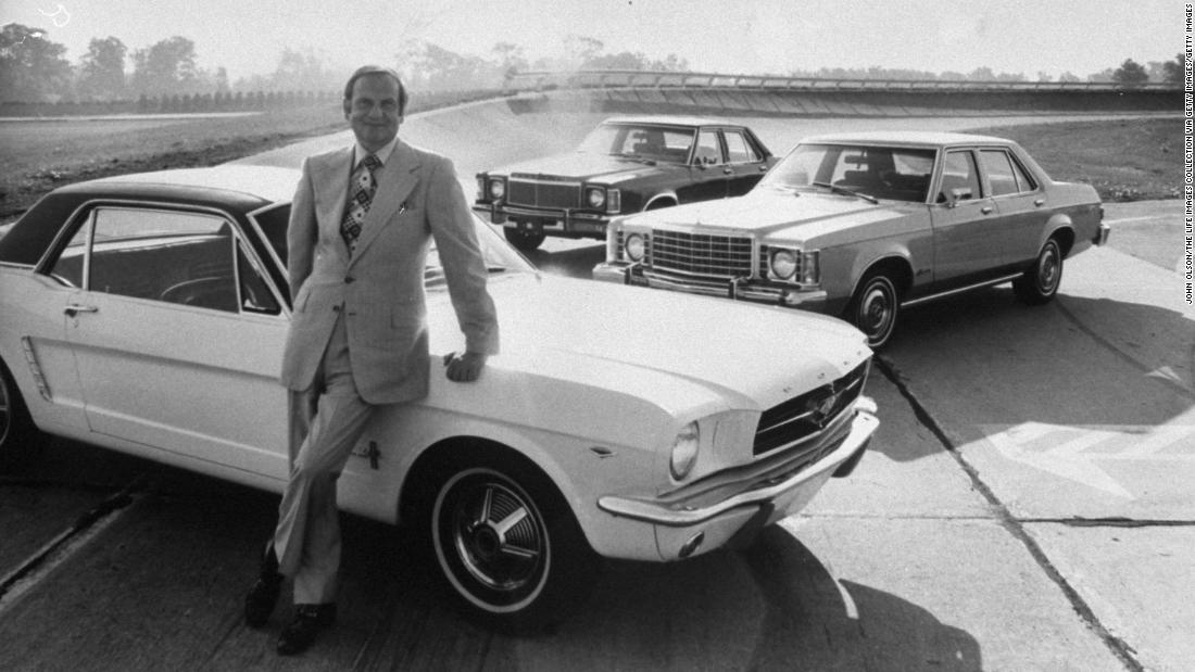 Lee Iacocca Mustang >> Lee Iacocca Car Industry Luminary Who Launched The Ford