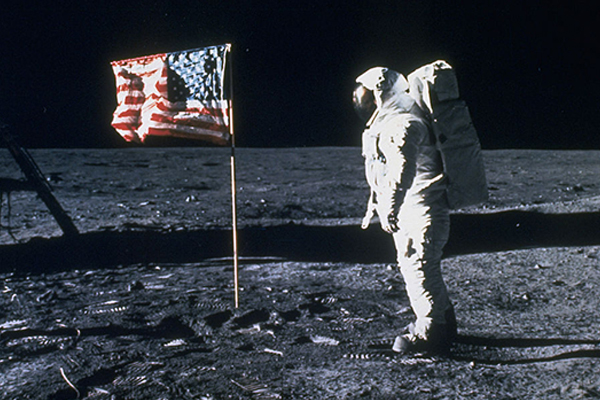 Moon landing conspiracy theories debunked