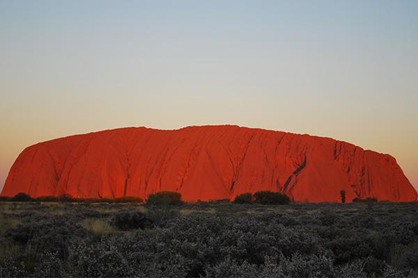 Rock climber prepared to defy Uluru ban