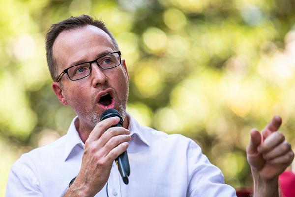 Greens MP vs Police Commissioner over strip search testimony