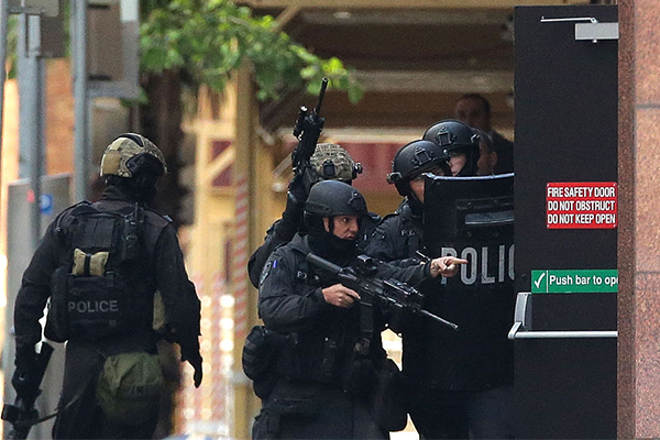 Lindt Siege sniper 'had the power to take the shot': Police Commissioner