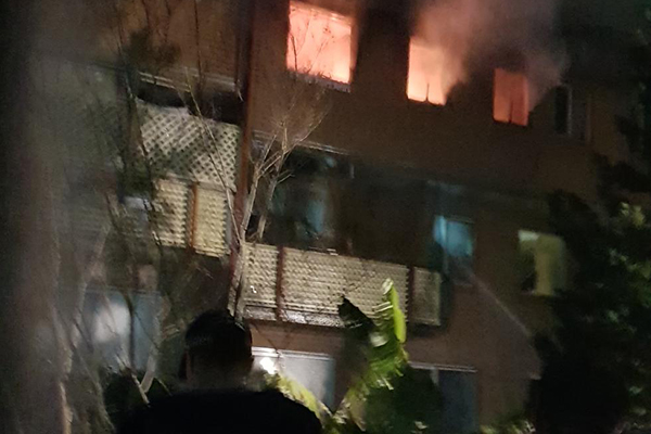 Article image for Man dies in Redfern unit fire despite heroic effort from firefighters