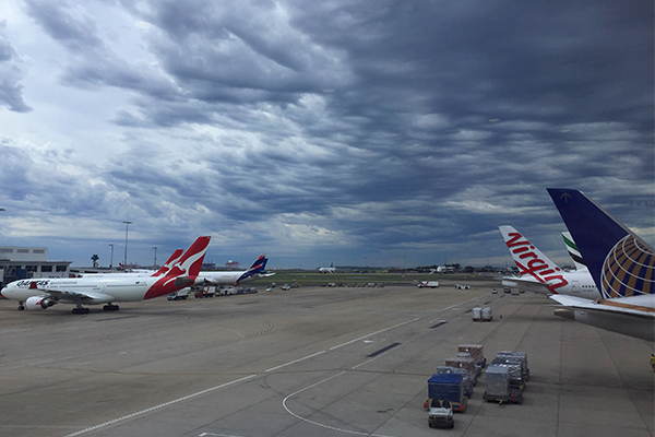 Article image for Airline bosses join forces against expensive Australian airports
