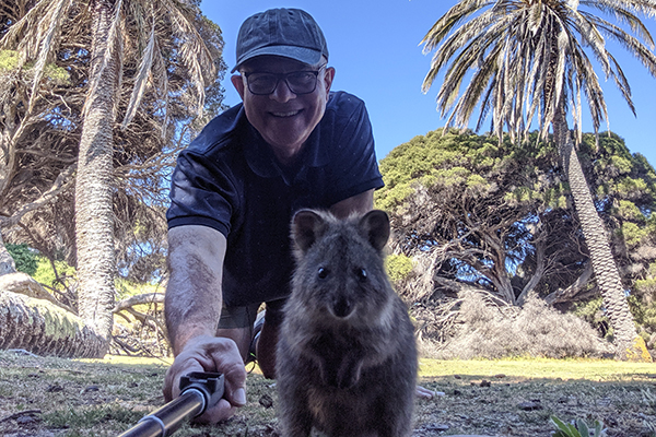 WATCH | John Stanley nails the perfect quokka selfie