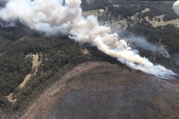 Article image for Port Macquarie bushfire continues to escalate
