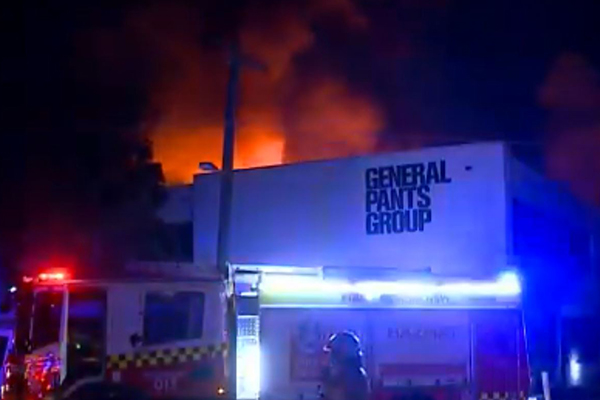 Article image for Nearly 100 firefighters battle huge Sydney factory fire
