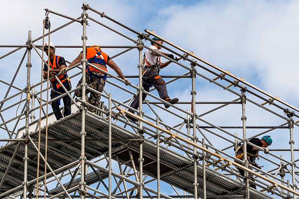 Article image for 'Reckless behaviour': Minister 'furious' at dangerous scaffolding failures