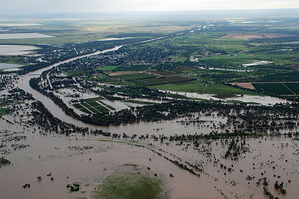 Article image for Queensland flood victims win class action over dam mismanagement