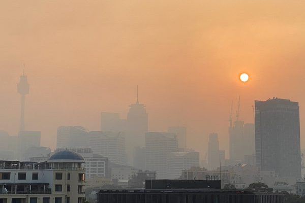 Article image for Severe air quality warnings in place as Sydney shrouded in smoke