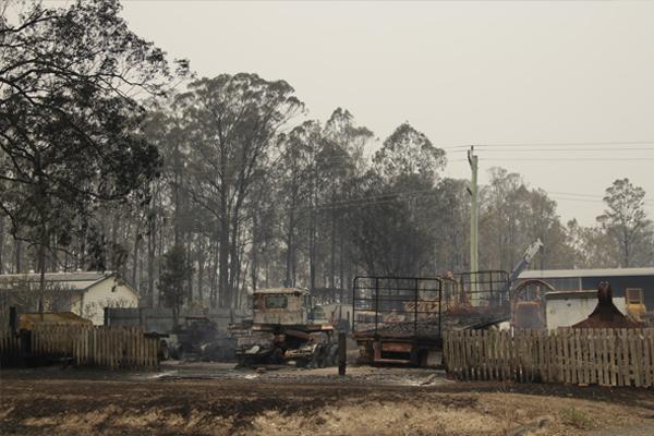 Man's body found in bushfire aftermath