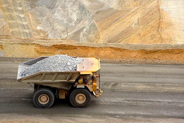 'Hammer blow': QLD opposition opposes BHP mine automation
