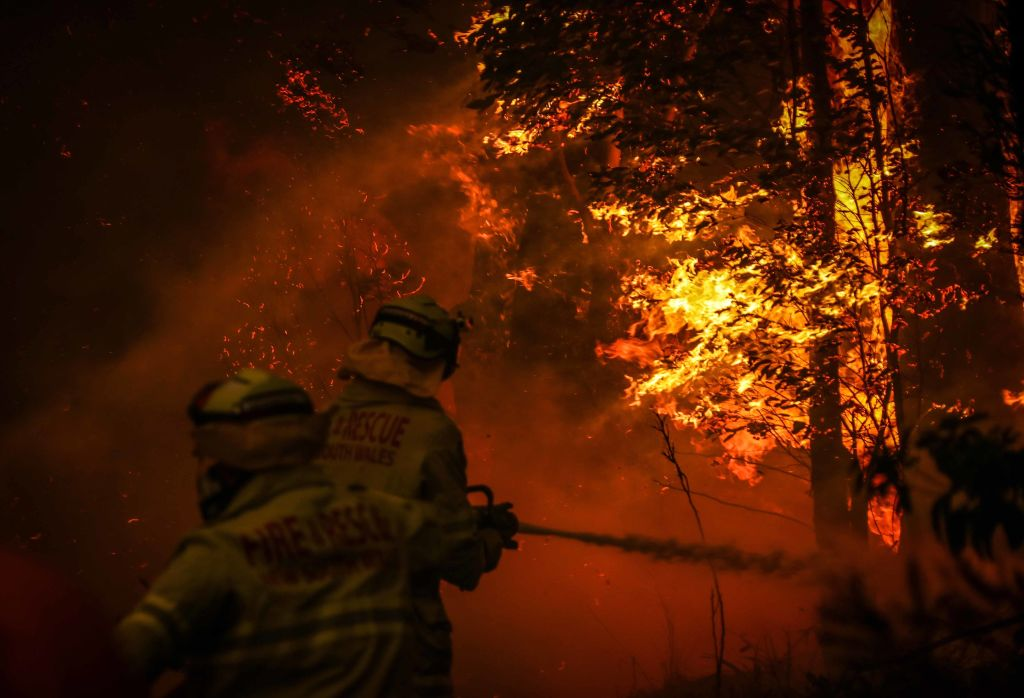 """Article image for 'I genuinely feared 'this is it"""": Caller's terrifying account of the fire frontlines"""