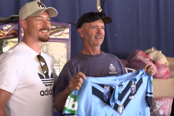 Article image for WATCH | State of Origin Blues bring joy to fire-ravaged towns