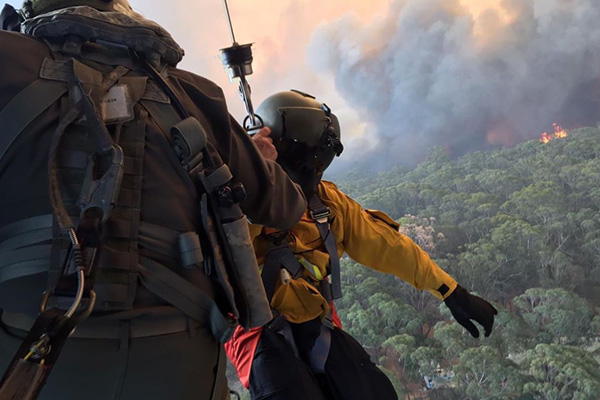 Senator Jim Molan supports Defence Force deployment to help NSW firefighters
