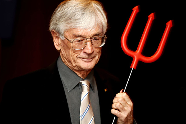 Dick Smith slams 'idiots' setting migration intake