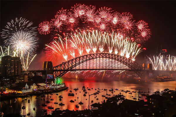 Article image for Sydney's NYE fireworks to go ahead despite Total Fire Ban