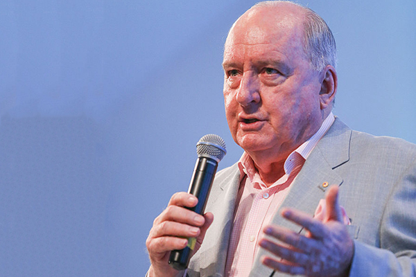 Alan Jones to return to radio with special bushfire broadcast