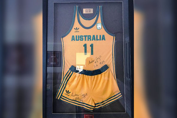 Basketball legend's Olympic Games uniform auctioned off for bushfire relief