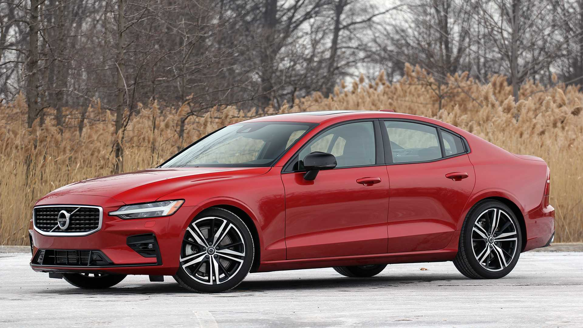 Volvo's sophisticated S60 T8 R-Design Hybrid sedan – T5 R-Design the better buy.