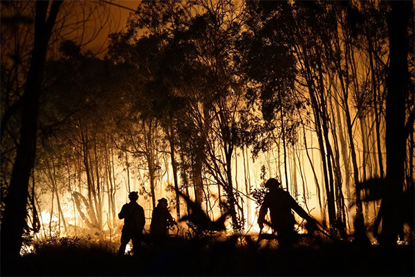 QLD firefighters opposing ticker-tape parade to honour them