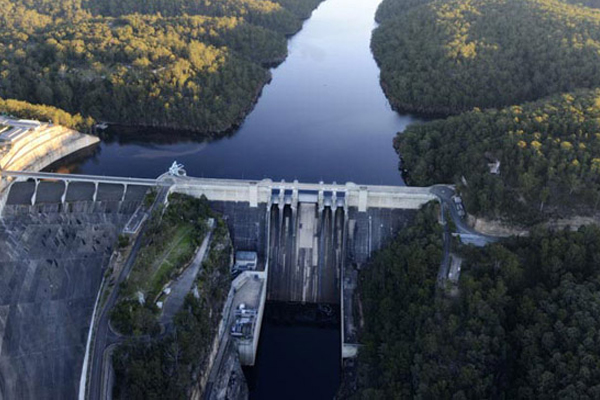 Article image for Water restrictions scaled back as dam levels continue to rise