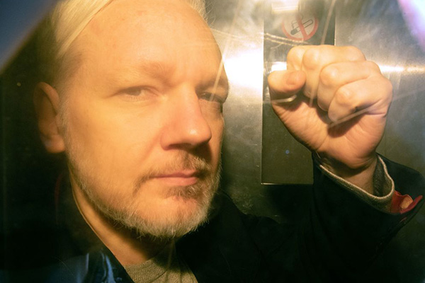 'He's our ratbag': Pleas for government to bring Julian Assange 'home'