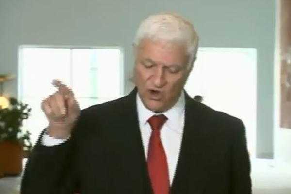 'You lily pad leftie!': Bob Katter unleashes on journalists during press conference