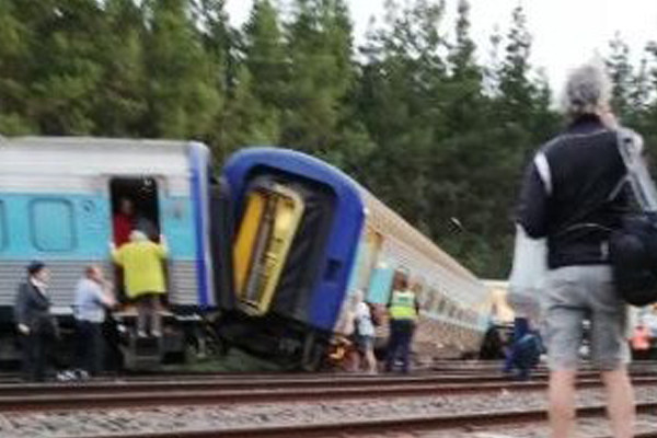 Article image for Train driver emailed concerns weeks before being killed in XPT derailment