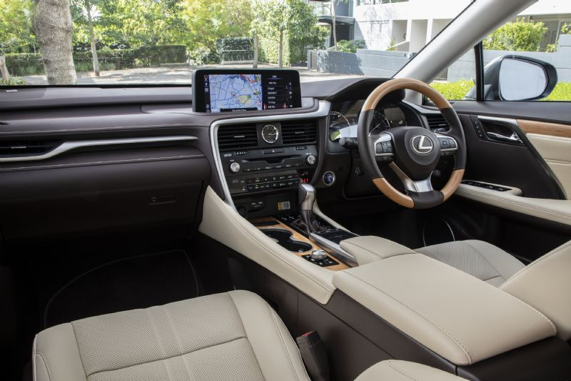 800-22++2019+Lexus+RX+450h+Sports+Luxury+interior+with+Rich+Cream+trim+and+Bamboo+ornamentation (5)