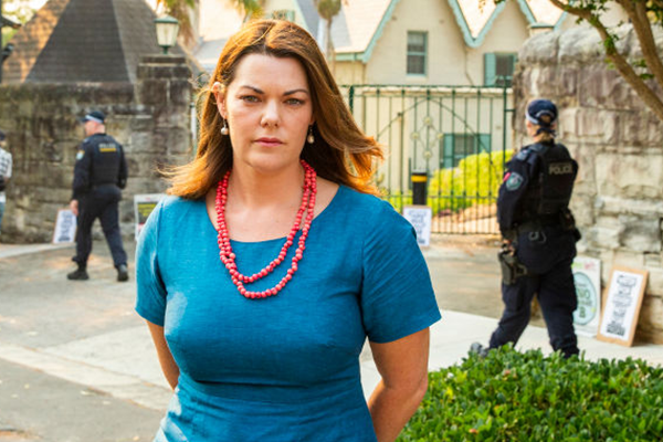 Article image for '24-carat fraud' : The 'hypocrisy' of Sarah Hanson-Young's latest move