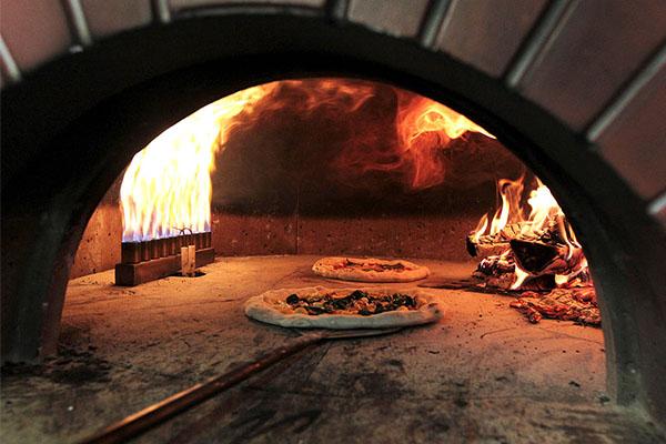 Pizza restaurant shut down amid flammable cladding threat