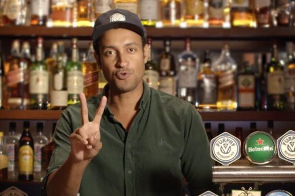 Comedian's virtual pub spins a few 'tall tales'