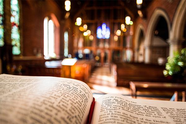 Churches move Easter spirit online