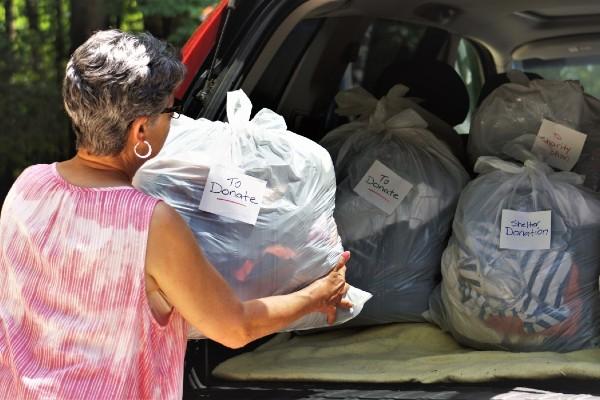 Online donation platform to reduce dumping